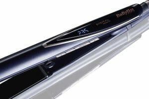 un fer à lisser qui s'adapte automatiquement à vos cheveux pour un lissage parfait et précis