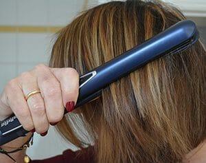 lisseur babyliss pour réaliser un lissage parfait de ses cheveux et avoir des cheveux lisses et brillants